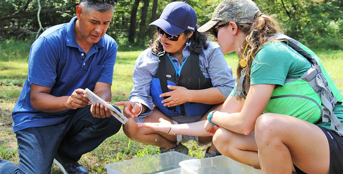 Educators identify freshwater fish KennyFletcher 1171x593