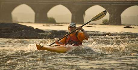 Kayaking-in-the-Susquehanna-Harrisburg-pa_MiguelAngeldelaCueva-rave_458x232
