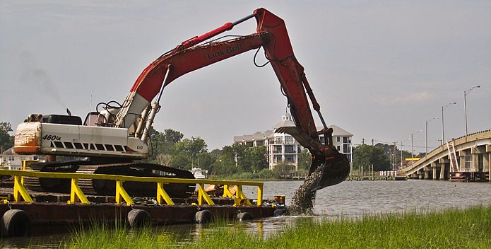Oyster-reef-contruction-lafayette-river_ElizabethRiverProject_695x352.jpg