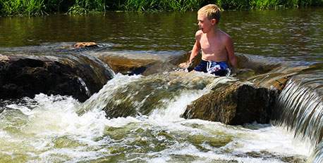 boy-in-creek_pennsylvania_MichelleYost_458x323