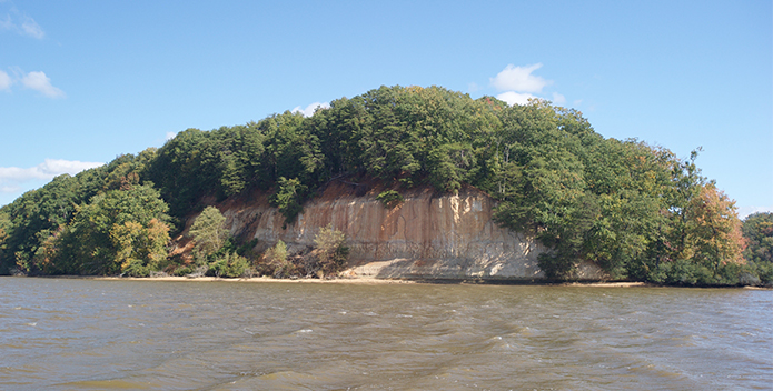 fones cliffs from water